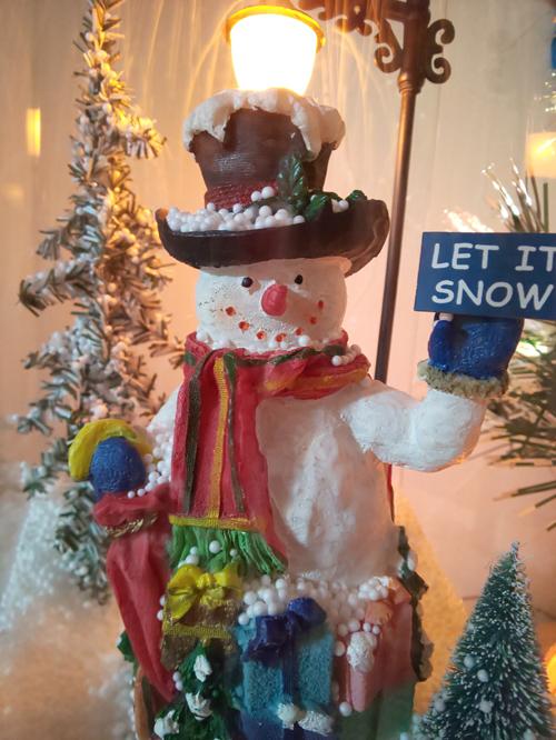 2019-12-25-snowman.jpg